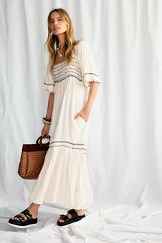 30 Everyday Dresses to Wear at Home This Summer Floral Midi Dress, White Maxi Dresses, Casual Dresses, Pretty Dresses, Outfit Ideas, Everyday Dresses, Bohemian Style, Bohemian Fashion, Dresses