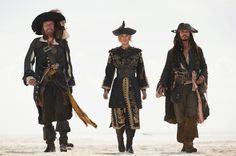 Still of Johnny Depp, Geoffrey Rush and Keira Knightley in Pirates of the Caribbean: At World's End (2007) http://www.movpins.com/dHQwNDQ5MDg4/pirates-of-the-caribbean:-at-world/still-1961331968