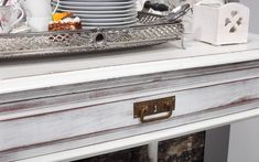 Glamour - We love old furniture Old Furniture, Entryway Tables, Shabby, Glamour, Home Decor, Mesas, Decoration Home, Room Decor, The Shining