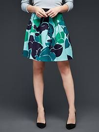 Pleated floral print skirt This kind of skirt in more subdued, darker colours is great - pleated, flared at the bottom...