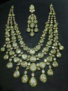 Satyanarayan J Jadia & Sons Jewellers Pvt Ltd Indian Jewelry Sets, India Jewelry, Gold Jewelry, Jewelery, Jewellry Box, Lotus Jewelry, Bridal Necklace, Wedding Jewelry, Jewelry Crafts