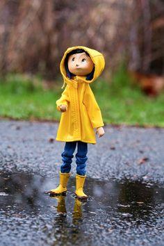 Coraline, so so dark and magical. Loved the claymation dearly. Coraline Doll, Coraline Jones, Coraline Halloween Costume, Tim Burton Halloween Costumes, Film Tim Burton, Coraline Aesthetic, Laika Studios, Neil Gaiman, Stop Motion
