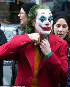 Joaquin Phoenix - Joker #joaquinphoenixjoker / Filming #joker #jokermovie Joker Batman, Joker Heath, Joker Cosplay, Joaquin Phoenix, Martin Scorsese, Joker Origin, Joker Photos, Joker Phoenix, Joker Film