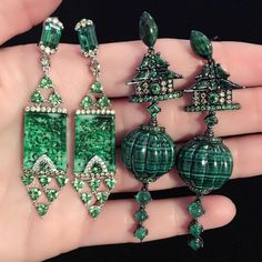 WENDY YUE(@wendyyuejewellery):「 Some of our favorite earrings from the new collection, featuring malachite & jade.  #wendyyue… 」
