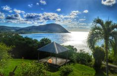La vue sur la plage de grande anse à deshaies.  Guadeloupe