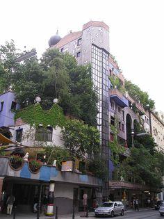 Vienna, Hundertwasserhaus, l'eclettico complesso residenziale dell'architetto austriaco Friedensreich Hundertwasser