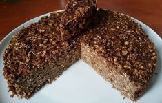 FITNESS-Torte mit Haferflocken ohne Mehl und Zucker A simple cake made of only 5 ingredients. Gf Recipes, Raw Food Recipes, Sweet Recipes, Dessert Recipes, Oatmeal Cake, Chocolate Oatmeal, Fitness Cake, Healthy Meals To Cook, Food Tasting