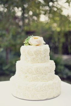 Trendy Wedding Cakes With Flowers Rosette Ideas Floral Wedding Cakes, Wedding Cakes With Flowers, Wedding Cake Designs, Rosette Wedding Cakes, Ivory Wedding Cake, Sunderland, Free Wedding, Trendy Wedding, Wedding Blog