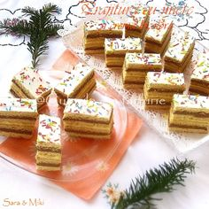 2 colors cake with honey cream Cake Factory, Colorful Cakes, Feta, Biscuits, Dairy, Honey, Cooking Recipes, Sweets, Cheese