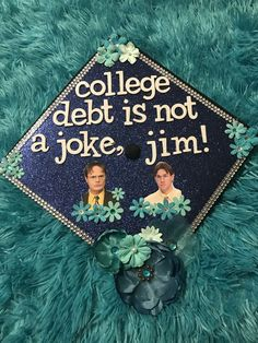 18 Funny Graduation Cap Ideas 18 Funny Graduation Cap Ideas The Office grad cap<br> Decorating your cap for graduation is becoming a tradition for many college students. Here are 30 of the best funny graduation cap ideas! Funny Graduation Caps, Graduation Cap Toppers, Graduation Cap Designs, Graduation Cap Decoration, Graduation Diy, Decorated Graduation Caps, Funny Grad Cap Ideas, Graduation Quotes, Graduation Announcements