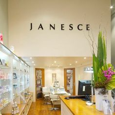 Janice Smith is a pioneer in the Skincare profession. Starting out in her own kitchen in 1968 she has grown from strength to strength and now her company, Janesce is a Worldwide recognised brand.  I sat down with Janice one evening to chat with her about how she started out, why the word 'organic' is so powerful and how we can heal ourselves by just using what nature provides.  - See more at: http://spiritualwisdommagazine.com/featured-interview-janice-smith-founder-janesce/