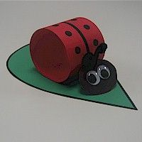 Lady Bug on Leaf - maybe for decoration - FreeKidsCrafts.com
