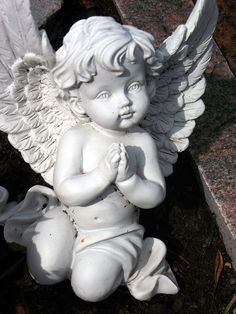 Stone Carved Marble Angel Sculpture Statue - We are manufacturer, exporters and suppliers. Fotos Download, Sculpture Art, Sculptures, Cherub Tattoo, Museum Poster, Ange Demon, Angel And Devil, Desenho Tattoo, Cemetery Art