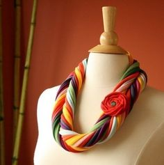 Colorful fabric necklace - NOT A TUTORIAL, JUST AN IDEA