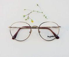 BYBLOS frames / Vintage rounded Eyeglasses / by Skomoroki In vendita da ottica Cigna Caltanissetta Cool Glasses, New Glasses, Glasses Frames, Jewelry Accessories, Fashion Accessories, Four Eyes, Optical Glasses, Look Fashion, Eyewear