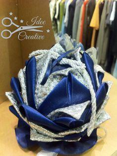 Pallina con tecnica Artischocken in nastro argento e nastro raso blu... molto chic Handmade Per info contattami