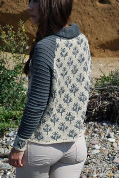 Broken Snowflakes Knitting pattern by Camilla Ette Gotfredsen Christmas Knitting Patterns, Knit Patterns, Stitch Patterns, Fair Isle Knitting, Arm Knitting, Raglan Pullover, Camilla, Lang Yarns, Paintbox Yarn