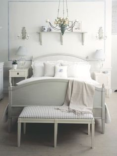 Nordic bedroom - just a wee bit of a colour would be a nice addition though ...