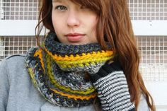 Would love to make something like this - so warm and cosy!  And knitted lengthways too!
