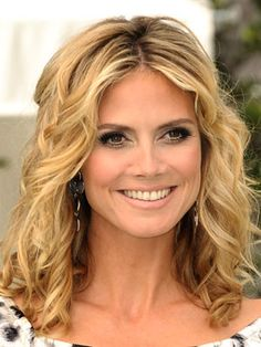 #HeidiKlum looking #happy with her beautiful #blonde #hair. #supermodel #avedazane #celebstyle