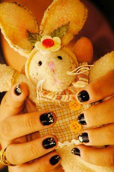 Polish nails: Rock, Colorama (Black) and Gold, Milani
