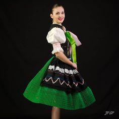 Región: Zemplín Lokalita: Pozdišovce Slovakia Folk Costume, Costumes, Folk Embroidery, Folklore, Modeling, Folk Clothing, The Incredibles, How To Wear, Faces