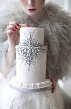 聖なる夜にぴったり♡ロマンチックなChristmasモチーフのwedding cakeをあつめましたにて紹介している画像