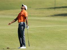 Da lief nichts zusammen: Golf-Superstar Tiger Woods war nach dem ersten Tag des FedExCup-Finales in Atlanta total frustriert. Der Weltranglisten-Erste blieb als einziger der 30 Profis ohne Birdie und lag mit 73 Schlägen nur auf dem 29. Rang. (Foto: Erik S. Lesser/dpa)