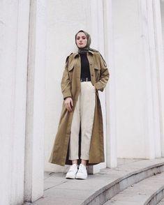 Modern Hijab Fashion, Street Hijab Fashion, Muslim Fashion, Winter Fashion Outfits, Casual Outfits, Girl Outfits, Long Coat Outfit, Hijab Trends, Hijab Chic