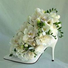 En stilet med en dekoration i. Evt. Til bryllup eller konfirmation.