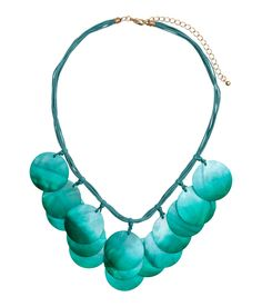 Necklace with shell pendants | H&M Gifts