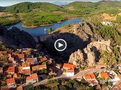 A vista deslumbrante, o seu castelo e as marcas que a natureza e a história deixaram neste lugar, convidam-nos a visitar Penha Garcia, a terra encantada plena de lendas e tradições!