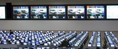 We are members of more than a hundred auto auctions in Japan and many are managed by large auction operators. More than 100,000 cars are auctioned every week. Each auction is regularly held on the same day every week. Exhibited cars must be brought to the auction hall before the auction day and are inspected and graded by certified auction assessors. After the inspection, evaluation sheets are made available to authorized members to check the vehicle condition prior to the auction day.