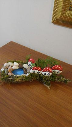 Havuzlu evlerim Stone Crafts, Rock Crafts, Diy Arts And Crafts, Creative Crafts, Crafts For Kids, Pebble Painting, Pebble Art, Stone Painting, Diy Painting