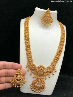 Pc Matt temple jewels for Rs 4500 with shipping Direct message to place order Shipping is extra the damage… Indian Wedding Jewelry, Indian Jewelry, Bridal Jewelry, Indian Bridal, Minimal Jewelry, Stylish Jewelry, Gold Jewellery Design, Gold Jewelry, Handmade Jewellery