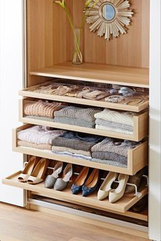 Create More Space in Your Homes With Ikea Pax Closet Wardrobe Design Bedroom, Master Bedroom Closet, Ikea Bedroom, Bedroom Storage, Bedroom Shelves, Ikea Storage, Jewellery Storage Ikea, Bedroom Decor, Small Storage