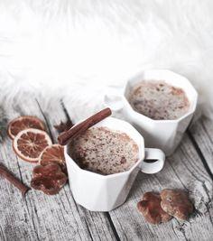 Endlich habe ich es geschafft, das perfekte Rezept für den Gingerbread Latte von Starbucks zu finden. Geldsparend & jederzeit genießbar!