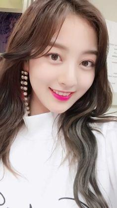 Diosa Nayeon, Kpop Girl Groups, Korean Girl Groups, Kpop Girls, Leader Twice, Park Ji Soo, Jihyo Twice, Song Of The Year, Tzuyu Twice