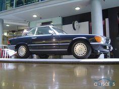 1989 Mercedes-Benz 560SL R107 (Regina's car)