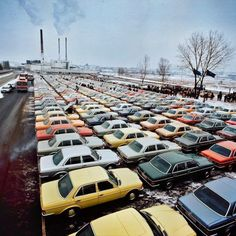 A lot full of Mercedes Benz W123's. As a little boy, we had a dark green (825 Tiefgrün) 230 (186Nm and 109Hp). Together with the W124 it was the golden age of MB higher level midclass automobiles.