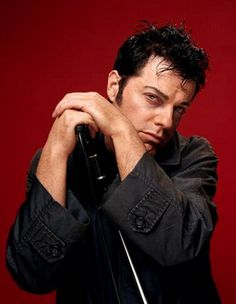 a young and dark haired Eddie. rowr!