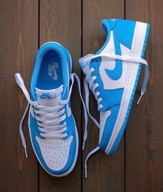 """Nike SB Air Jordan 1 Low """"UNC"""" release date: August can find Nike sb and more on our website.Nike SB Air Jordan 1 Low """"UNC"""" release date: August All Nike Shoes, Dr Shoes, Nike Shoes Air Force, Swag Shoes, Hype Shoes, Vans Shoes, Converse Sneaker, Puma Sneaker, Sneaker Outfits"""