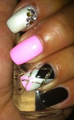 Preppy chique - Nail Art Gallery by NAILS Magazine #nailart