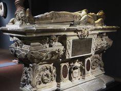 Monument funéraire de Michel Eyquem de Montaigne (1533-1592), vers 1593, Musée d'Aquitaine, cours Pasteur, Bordeaux, Gironde, Aquitaine, France. | par byb64