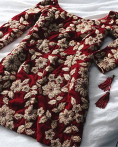 Workwear Outfits for Women Pakistani Dresses Casual, Pakistani Wedding Outfits, Pakistani Dress Design, Bridal Outfits, Pakistani Mehndi Dress, Indian Wedding Gowns, Pakistani Party Wear, Pakistani Fashion Casual, Designer Party Wear Dresses