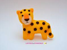 Felt LEOPARD stuffed felt Leopard magnet or by LADYBUGonCHAMOMILE