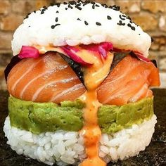 An Epic Sushi burger. Sushi Burger, Sushi Food, Burger Food, Sushi Sushi, Sushi Recipes, New Recipes, Cooking Recipes, Cooking Time, New Food Trends