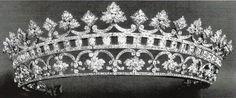 Perteneció a la Reina Victoria Eugenia que la heredó de su madre y les fue devuelta a los Battenderg