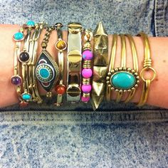 Awesome arm party's worth of #bracelets! Love the contrasting shades of turquoise and fuchsia.