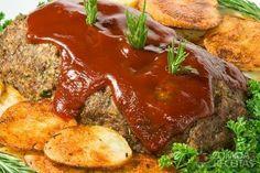 Receita de Rocambole de carne recheado com ricota e bacon em receitas de carnes, veja essa e outras receitas aqui!
